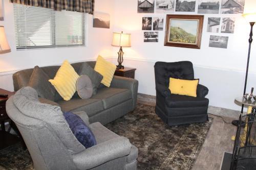 Oak Square Condo #210 - Apartment - Gatlinburg