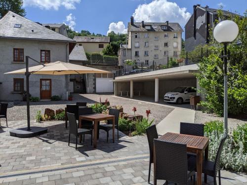 Logis Regina - Hotel - La Bourboule