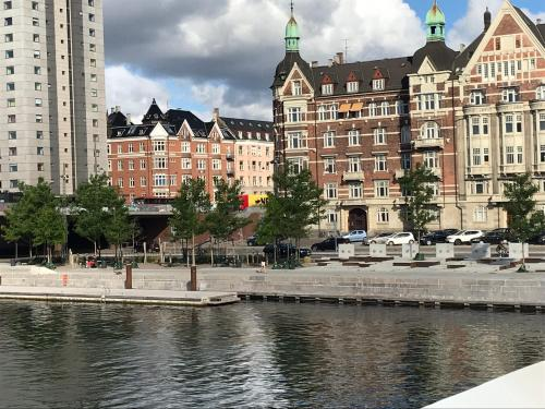 Guest room w. harbor view and balcony, Pension in Kopenhagen
