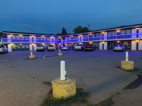 Raven Motor Inn - High Prairie, AB T0g 1e0