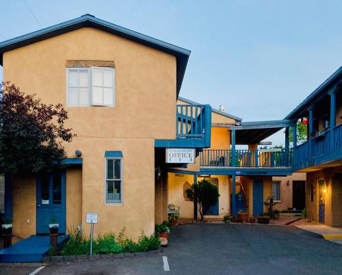 . Guadalupe Inn