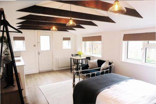The Annexe - private, self-contained with parking