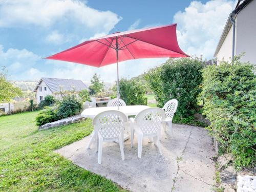 . Wonderful Apartment in Saint-Remy Normandy with Garden