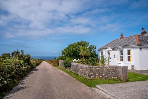 Western Watch - Sea Views, Pets Accepted, Sleeps 6, Pendeen, Cornwall