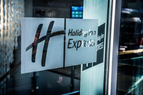 Holiday Inn Express Manchester City Centre, An Ihg Hotel - Photo 8 of 20