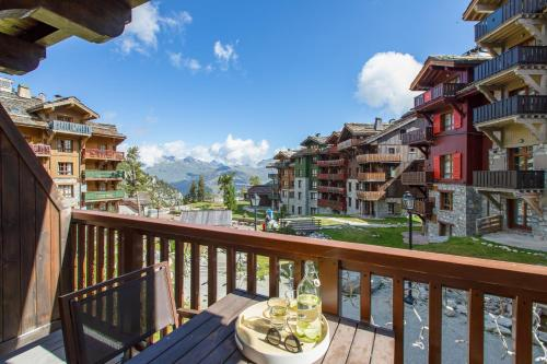 Hotel Services Standard Suite - access to the outdoor Mont Blanc View pool (2 People)