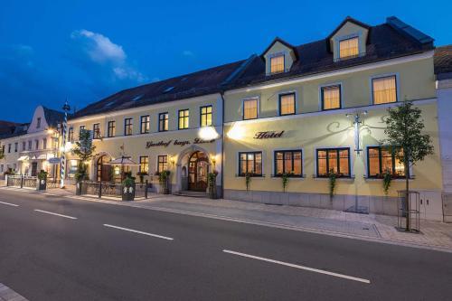 . Hotel Bayerischer Löwe