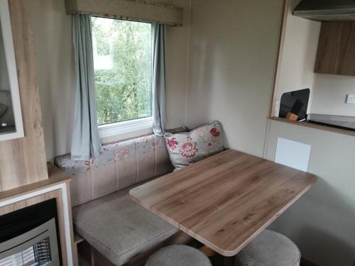 2 Bedroom Caravan Newquay Bay Resort