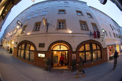 . Altstadt Hotel Stadtkrug