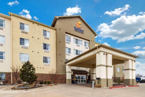 . Comfort Inn & Suites Airport Oklahoma City
