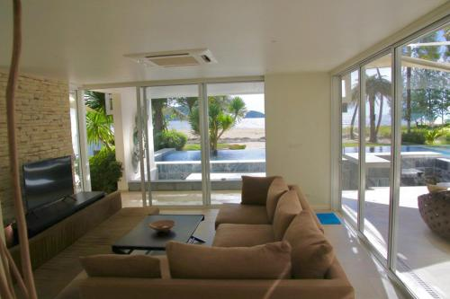 Sands Beachfront Residences - Hotel Manged