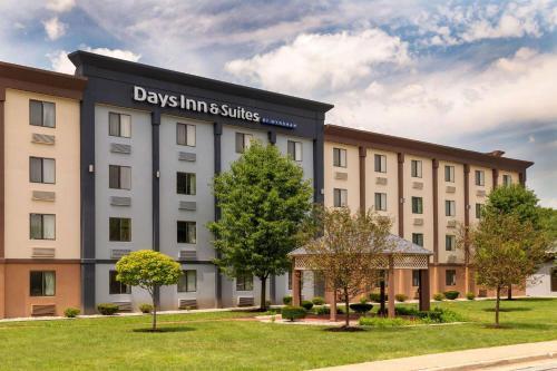 Days Inn And Suites By Wyndham Hammond, In, Hammond, In