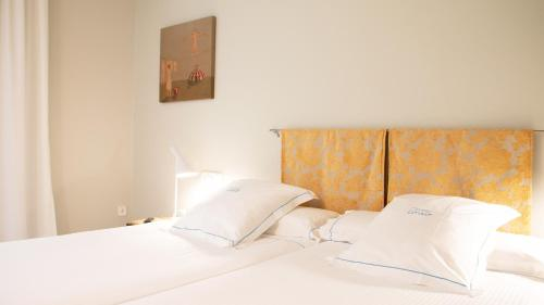 Twin Room with Shower Hotel Llevant 5