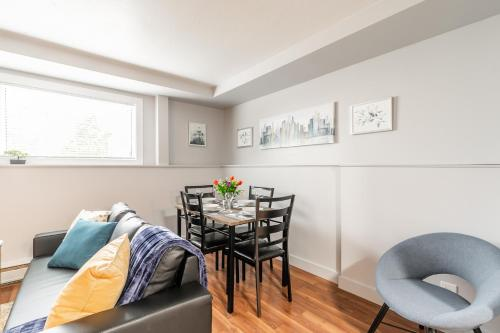 Newly Renovated - Bright and Modern 2BR Near Downtown