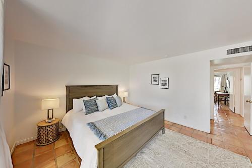 All-Suite Coco Cabana Villa with Pool & Tennis condo