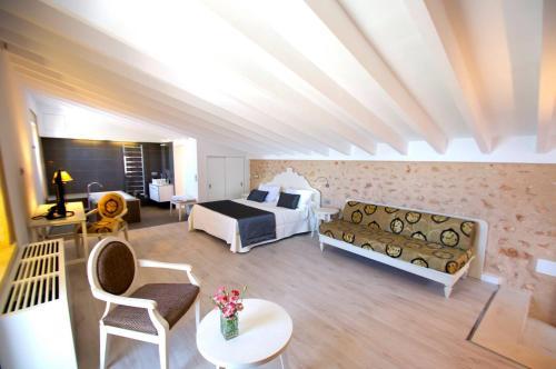 Suite Superior Bennoc Petit Hotel 36
