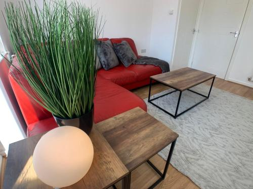 2 Bed House Waterside Luxury Living, Central Area