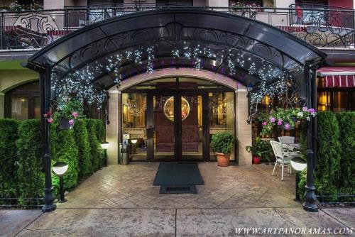 . Enira Spa Hotel