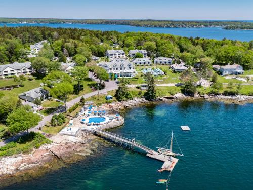 . Spruce Point Inn Resort and Spa