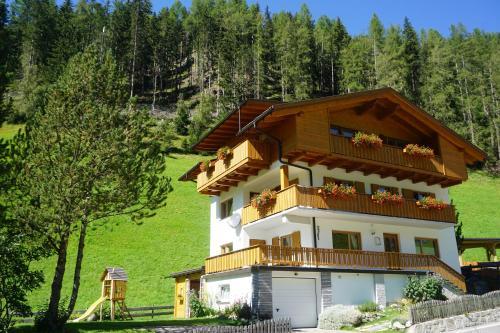 Ferienhaus Nairz - Apartment - Predoi