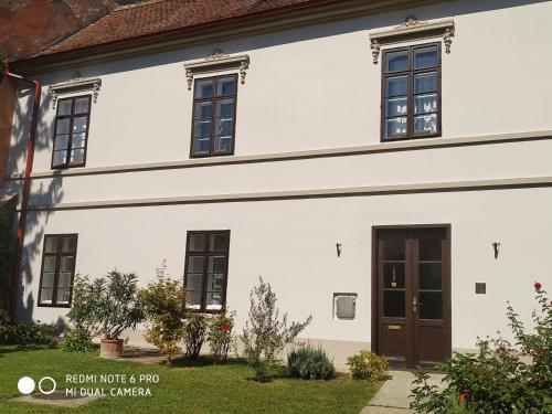 Centrum Szíve, Pension in Pécs