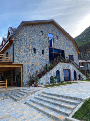 guesthouse qosaj