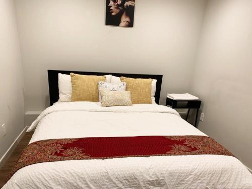 Beautiful 3 Bedroom next to Sunset ocean beach - image 5