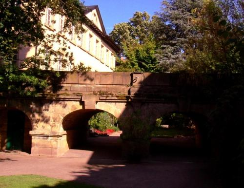 . Kurpark-Residenz Deidesheim