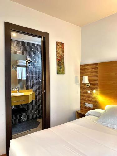 Habitación Doble - 1 o 2 camas Hotel Spa QH Centro León 10