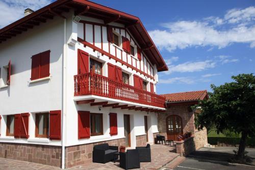 Apartamentos Armua - Apartment - Zugarramurdi