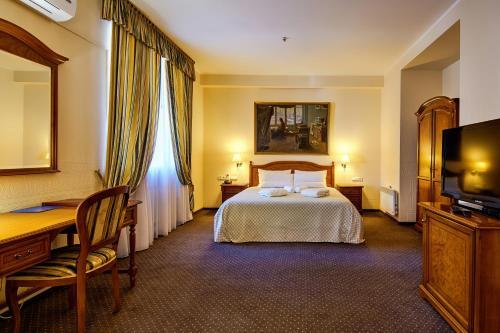 . Hotel Academy