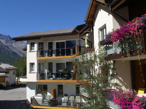 Apartment Haus Alpenrose - Saas Almagell