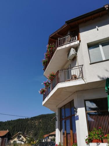 Guest House Edelweiss - Photo 7 of 107