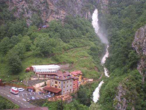 . Hotel Puente Vidosa