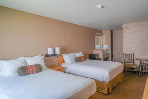 Whitewater Inn - Hotel - Big Sky