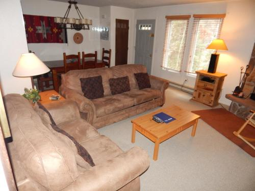 Hideaway Village Columbine 7 - Apartment - Winter Park
