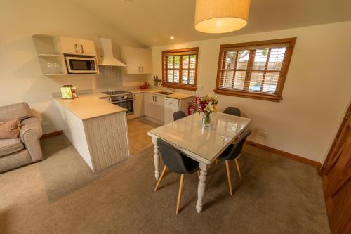 Wanaka Homestead Lodge & Cottages Wanaka