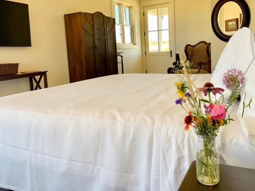 Annie's Place Bed & Breakfast