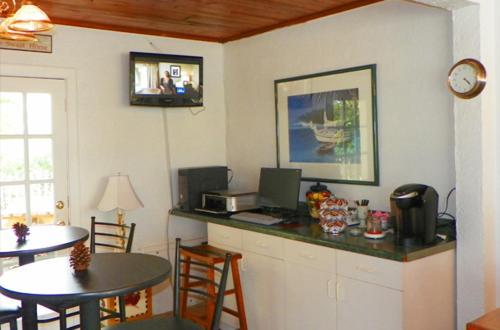 Island Breeze Inn - Venice - Venice, FL 34285