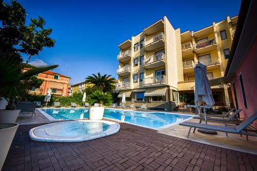 . Hotel Splendid