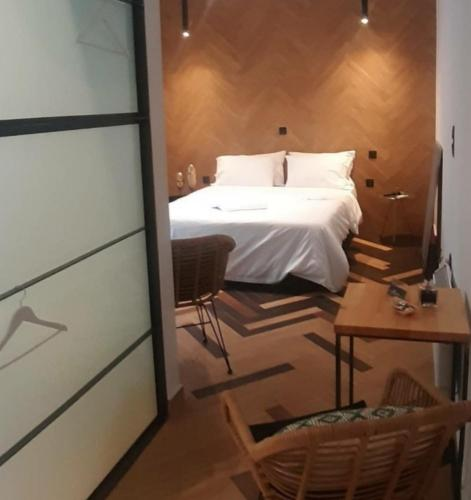 Sroom Apartment - Hotel - Mesolongion
