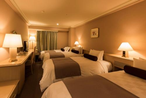 Triple Room with Extra Bed (4 Adults) - North & South Wing -Non-Smoking