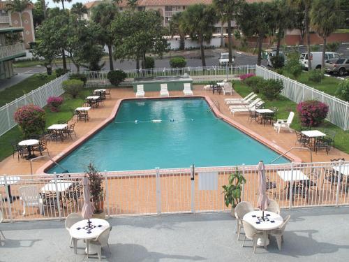 Boca Inn - Boca Raton, FL 33432
