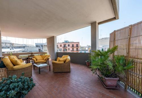 . Studio in Bari with wonderful city view furnished terrace and WiFi 900 m from the beach