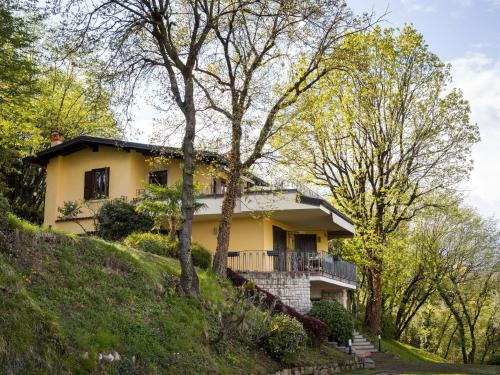 Luxury Villa in Salo Italy with swimming pool - Accommodation - Salò
