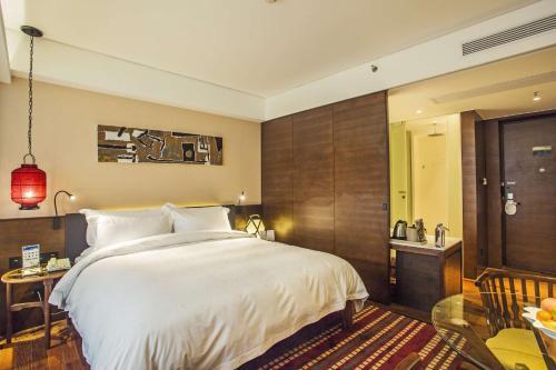 Manyue Selected Holiday Hotel