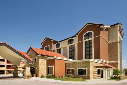 . Drury Plaza Hotel San Antonio Airport