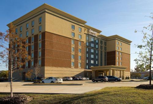 . Drury Inn & Suites Baton Rouge