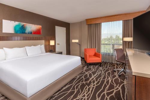 DoubleTree by Hilton San Bernardino - San Bernardino, CA CA 92408