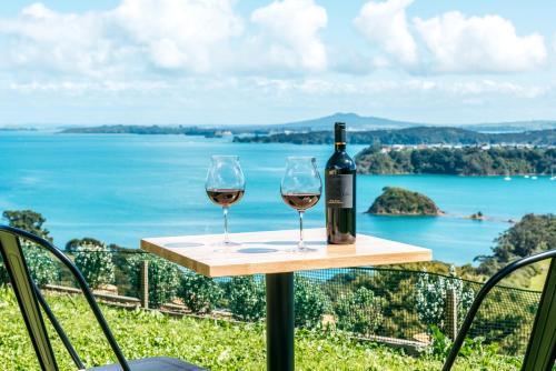 The Apartment - Sea Views at Te Whau Point by Waiheke Unlimited - Omiha